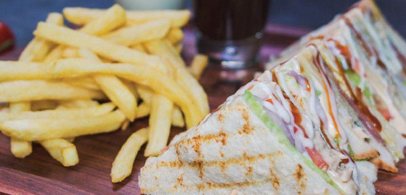 Pita Pan Club Sandwich