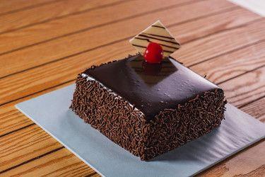 Chocolate Chips Cake 1/2 Pound