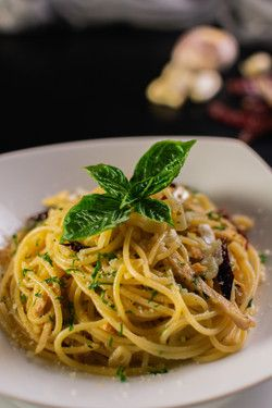 Pasta Aglio Olio with Australian Chicken