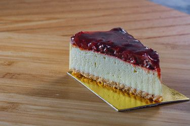 Strawberry Cheese Cake Slice
